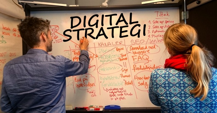 Digital Strategi på tavle